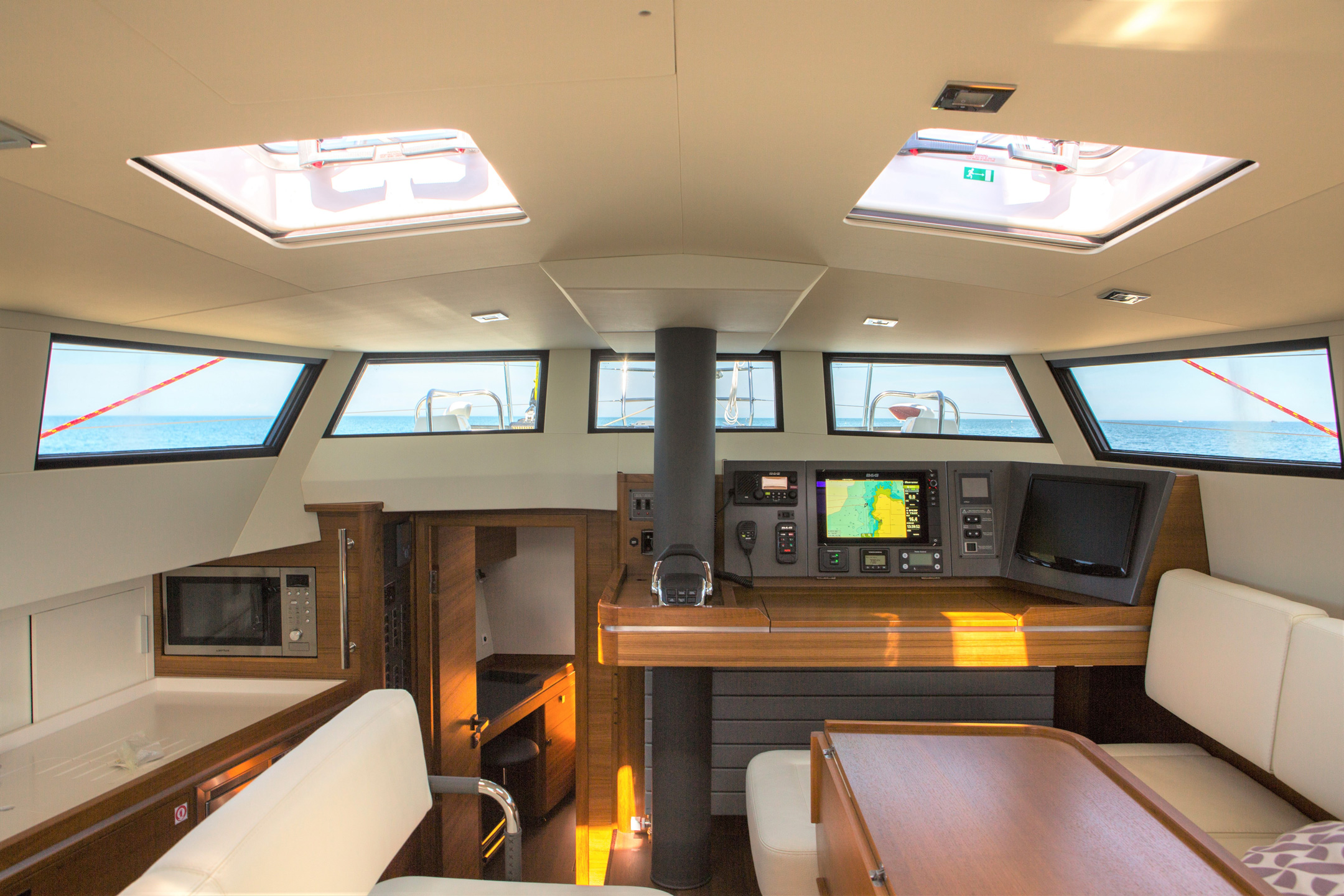 Le chantier Garcia Yachts est spécialisé depuis sa création dans la construction de voiliers à coque aluminium et il fait aujourd'hui partie du Groupe Grand Large Yachting. Dériveurs intégraux ou catamarans, les voiliers Garcia Exploration se démarquent par leur radicalité, tels que les Maracuja, ou les Passoa, et plusieurs grandes unités one-off remarquables. Ils sont connus également connus pour leur collaboration avec Jimmy Cornell et Pete Goss pour avoir créé des bateaux de grande croisière pour naviguer autour du monde, garantissant des finitions haut de gamme. The shipyard Garcia Yachts has specialized since its creation in the construction of aluminum hulled boats and sailboats and is now part of the Grand Large Yachting Group. Centerboarders, lifting keel, or catamarans, the Garcia Exploration sail yachts stand out for their radicality, as Maracuja and Passoa, and several remarkable one-off units. They are also known for their collaboration with Jimmy Cornell and Pete Goss for the creation of blue water cruising boats designed to navigate around the word guaranteeing high-end finishes.