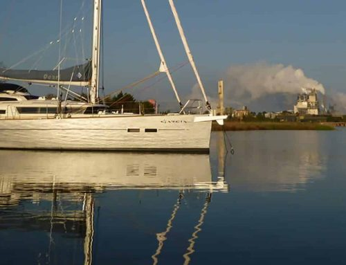 What makes a sailing boat an expedition one