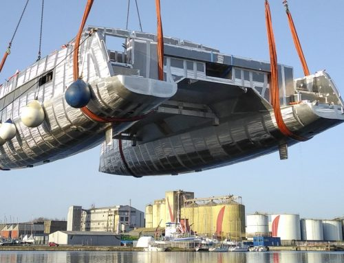 Transport of the bare hull of the Garcia Explocat 52 #3