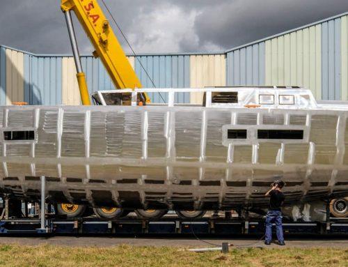 Transportation of the hull of Garcia Exploration 60 #1